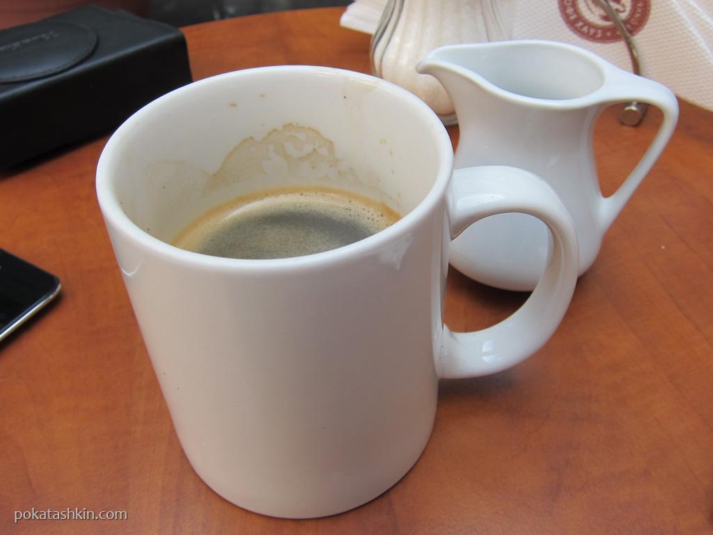 Кофейня «Кофе Хауз», ТВК «Глобус», 3-я линия (Киев)
