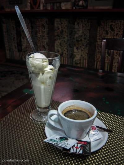 "Мороженое и кофе ""Американо"". Бар «Doodah King» / «Дуда Кинг» (Минск)"