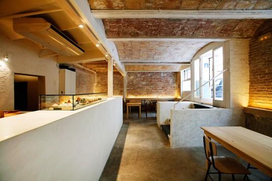 Японская чайная в Барселоне от Kazuya Morita Architecture Studio